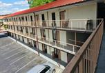 Hôtel Pigeon Forge - Bear Mount Inn & Suites-1