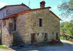 Location vacances Monte Santa Maria Tiberina - Rustic Cottage in Umbria with open terrace and garden with seating-3
