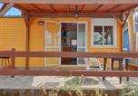 Location vacances la Riba - Nice chalet with a terrace, surrounded by mountains-2