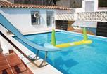 Location vacances Calella - Three-Bedroom Holiday home Calella with an Outdoor Swimming Pool 08-4