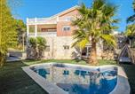 Location vacances Olesa de Bonesvalls - Villa with 5 bedrooms in Olivella with wonderful mountain view private pool enclosed garden 13 km from the beach-1