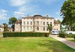 Camping avec Piscine couverte / chauffée Bourgogne - Castel Château de L'Epervière-1
