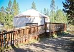 Villages vacances Bend - Bend-Sunriver Camping Resort Wheelchair Accessible Yurt 13-1