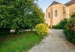 Location vacances  Deux-Sèvres - Pressigny Villa Sleeps 22 Pool Wifi-2