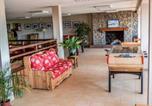 Location vacances Egliseneuve-d'Entraigues - Apartment Le Bois de la Reine.7-4