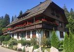 Location vacances Titisee-Neustadt - Hollhouse - Bed & Breakfast-1