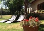 Location vacances Lamothe-Capdeville - Chambres d'Hotes Au Val Dormant-4