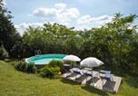 Location vacances  Province de Pesaro et Urbino - Sun-kissed Holiday Home in Acqualagna with Swimming Pool-1