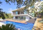 Location vacances Es Castell - Villa with 3 bedrooms in Cala Llonga with private pool and enclosed garden 3 km from the beach-2
