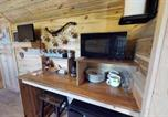 Location vacances Bluff - Canyonlands Barn Cabin with Loft, Full Kitchen, Dining Area for Large Groups-2