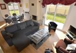 Location vacances Portbail - Modern Holiday Home In Denneville with Garden-2