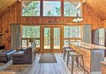 Location vacances Hot Springs - Central Black Hills Cabin w Loft & Wraparound Deck-4