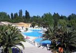 Hôtel 4 étoiles Arles - Soleil Vacances Hôtel Club Résidence Les Amandiers-1