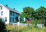Location vacances Volda - Seven-Bedroom Holiday home in Flatanger 1-4