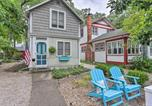 Location vacances Port Clinton - Marblehead Cottage with Fire Pit Walk to Lake!-1