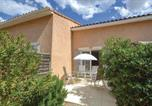 Location vacances Villevieille - 0-Bedroom Holiday Home in Calvisson-2