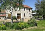 Hôtel Saint-Gervais-d'Auvergne - Aux 2 Puys - Gîte et chambres d'hôtes-1