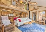 Location vacances Hendersonville - Hendersonville Cabin with Hot Tub and Fire Pit!-1