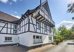 Location vacances Lennestadt - Stunning apartment in Attendorn-Niederhelden w/ Wifi and 3 Bedrooms-2