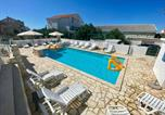 Location vacances Novalja - Apartments King - Strict center-1
