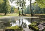 Location vacances  Ardennes - Vireux-Wallerand Chateau Sleeps 60 Wifi-3