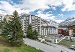 Location vacances Val-d'Isère - Apartment Isr23 - superbe appartement, centre ville, proche pistes et commerces.-3