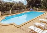 Location vacances Sarlat-la-Canéda - St. Crepin et Carlucet FAD040