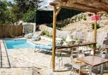 Location vacances Castillo de Locubín - Three-Bedroom Holiday Home in Zagrilla, Cordoba-4