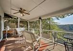 Location vacances Rogers - Hillside Rogers Cottage with Beaver Lake Views!-2