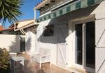 Location vacances Saint-Cyprien - Holiday Home Villa Malot-1