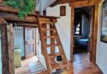 Location vacances Usseaux - Hostdomus - Chalet Royal Wood-3