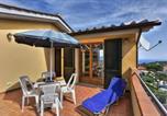 Location vacances  Province de Livourne - Casa Consuelo App. 2 (trilocale)-1