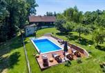 Location vacances Zaprešić - Amazing home in Kupljenovo w/ Outdoor swimming pool and 1 Bedrooms-1