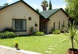 Location vacances Kempton Park - Sunflowers Guesthouse-1