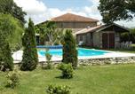 Location vacances Baignes-Sainte-Radegonde - Gîte & Chalet Les Bellesvues-4