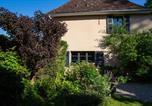 Hôtel Saint-Alban-de-Montbel - Côté Jardin, Chambres d'hôtes B&B-4