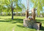 Location vacances  Province de Gérone - Spacious Villa with Swimming Pool in St Pere Pescador-3
