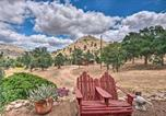Location vacances Porterville - Secluded Cabin in Sequoia National Forest 3 Acres-2
