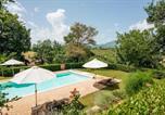Location vacances Tolentino - Via John Fitzgerald Kennedy Villa Sleeps 14 Pool-1