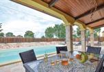 Location vacances  Province de Caserte - Beautiful home in Torre di P.Mondrag. Ce w/ Outdoor swimming pool, 5 Bedrooms and Outdoor swimming pool-2