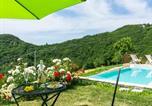 Location vacances Mercatello sul Metauro - Farmhouse with pool in the hills, pristine nature, wine tasting-1
