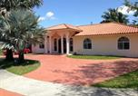 Location vacances Doral - Home With Pool In Miami-2