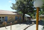 Camping avec Piscine Saint-Sauveur-de-Montagut - Camping Les Chênes-3