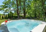 Location vacances Donji Lapac - Nice home in Mazin with Jacuzzi, Wifi and 4 Bedrooms-2