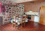 Location vacances Piedralaves - House with 5 bedrooms in Navaluenga with furnished terrace-2