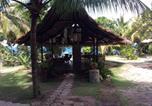 Villages vacances Moalboal - Ravenala Beach Bungalows-1