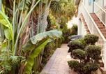 Location vacances Pompano Beach - 4145 By The Sea Inn & Suites-1