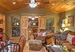 Location vacances Huntsville - Romantic Tree House Cottage - Minutes to Mentone!-1