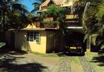 Location vacances Mahebourg - Bungalow with 2 bedrooms in Blue Bay with terrace-1