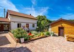 Location vacances Brinje - Awesome home in Senj with Jacuzzi, Wifi and 2 Bedrooms-3